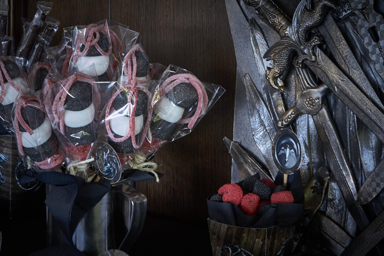 Juego tronos 04 celebralobonito banderines y decoraci n for Silla juego de tronos